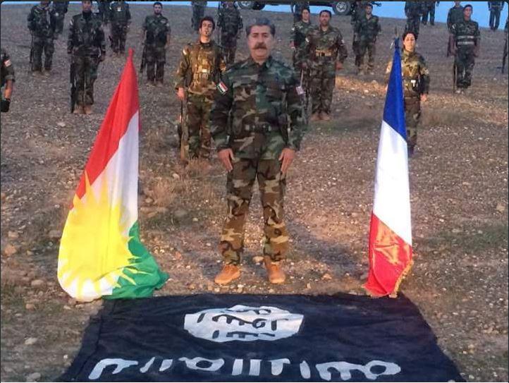 Curdos França bandeiras