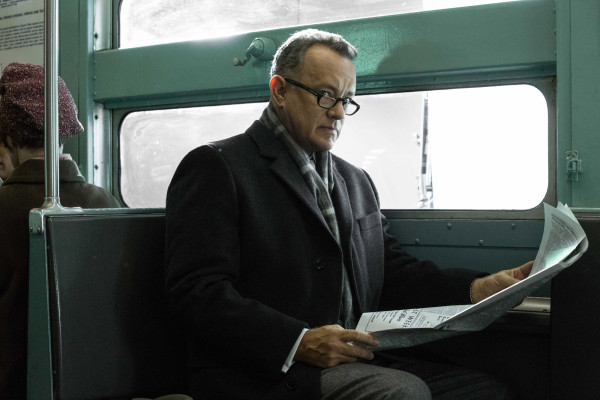 FOR SUNDAY - Brooklyn lawyer James Donovan (Tom Hanks) is an ordinary man placed in extraordinary circumstances in DreamWorks Pictures/Fox 2000 Pictures' dramatic thriller BRIDGE OF SPIES, directed by Steven Spielberg. FILM STILL - PHOTO: Jaap Buitendijk